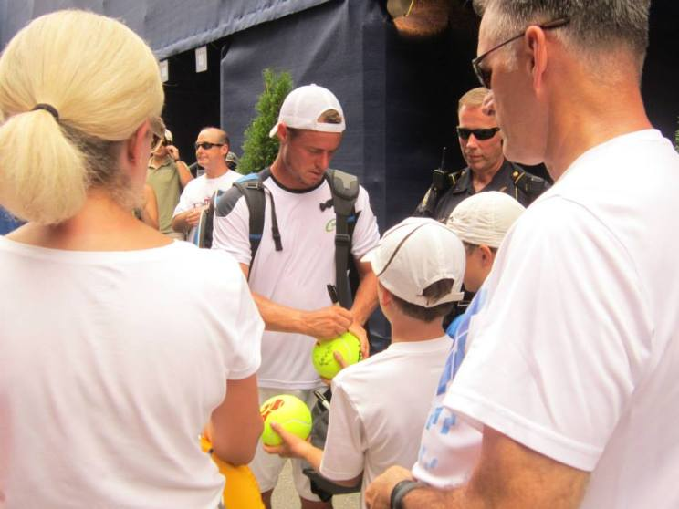 Hewitt Signing