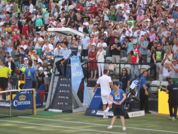 The crowd applauded Troicki (photo credit: Andreas Thiele)