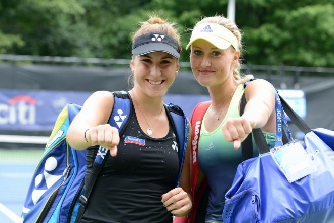 Belinda Bencic & Kiki Mladenovic (Photo: Christopher Levy @Tennis_Shots)