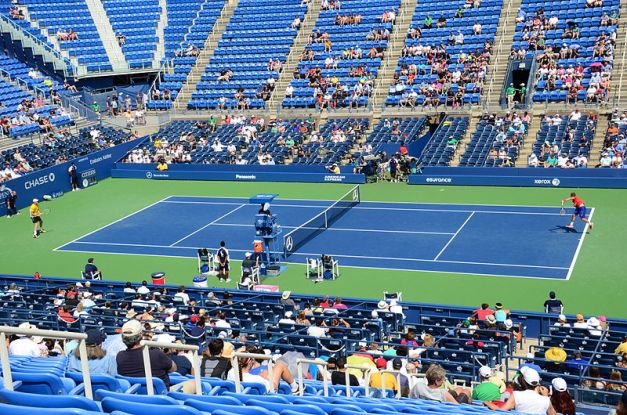 800px-Match_between_Guido_Pella_and_Sam_Querrey_at_the_Louis_Armstrong_Stadium_(9610300221)_(2)